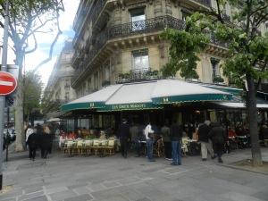 paris_120426_cafeDeuxMagots01