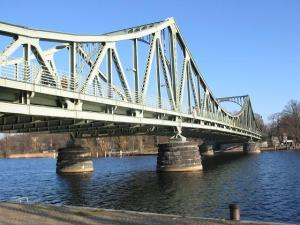 Glienicker_Brücke1