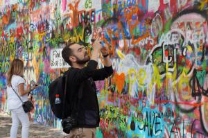 Muro de Lennon, em Praga-Rep. Tcheca