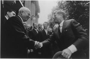 800px-khrushchev_and_kennedy_shaking_hands_-_nara_-_193204-700x460